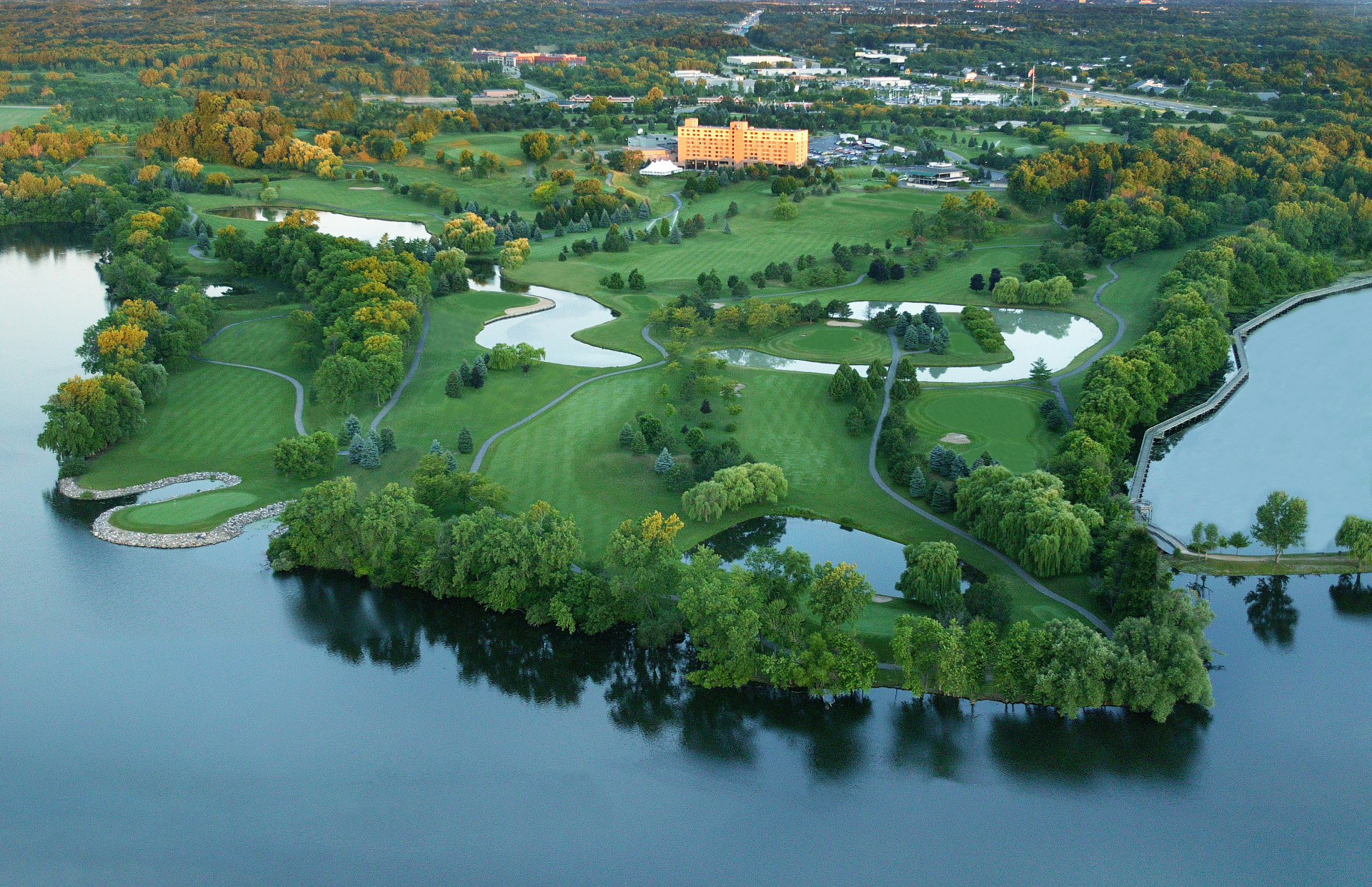 Welcome to the Eagle Crest Golf Resort with hole by hole videos and PGA Pro tips from Wes Blevins.