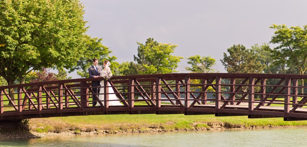 Wedding couple at Eagle Crest golf course
