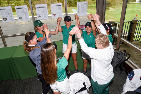 Shirley Spork with Eastern Michigan Women's Golf Team